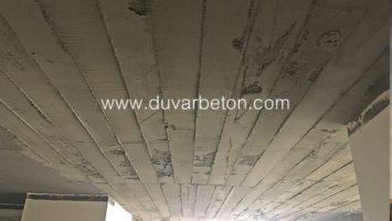 Tavanda brüt beton görünümlü sıva